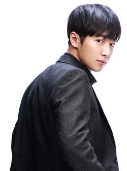 Park Tae-ha (Lee Sang-yeob) Photos