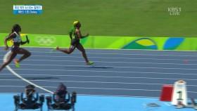 여자 육상 400m 릴레이 예선 1조 이미지