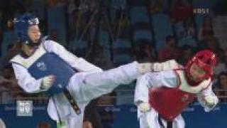 태권도 오혜리, 결승 진출…은메달 확보