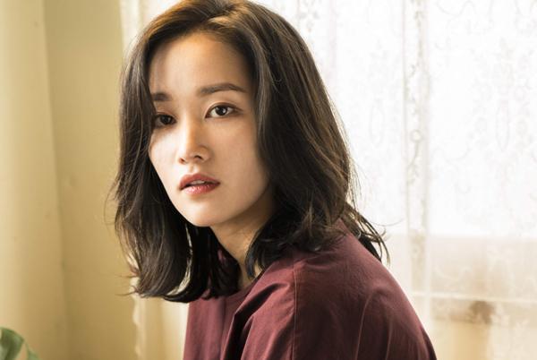 """[인터뷰] 전종서 """"행운의 배우, 당당한 연기자"""" 관련 이미지"""