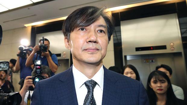 조국 법무부 장관 사퇴