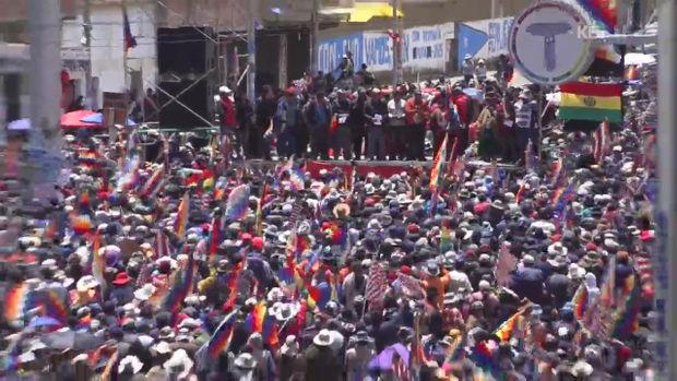 모랄레스 지지자 도로 봉쇄…문 닫은 주유소·식료품 부족